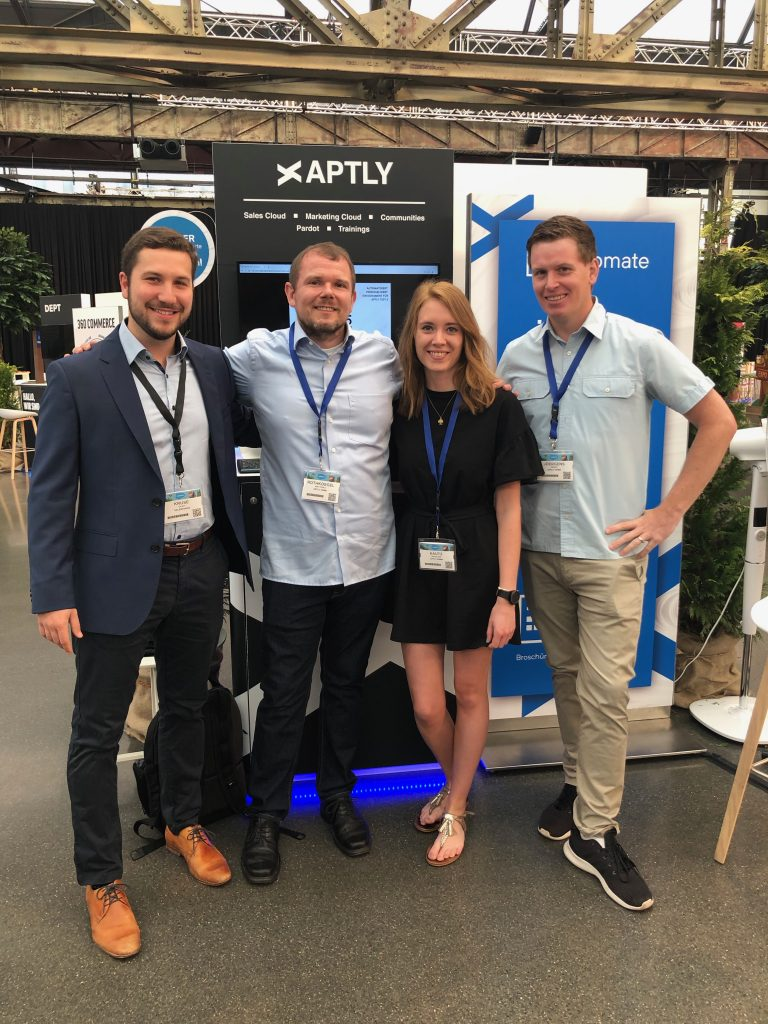 Der APTLY Messestand mit unseren Experten auf dem Salesforce Basecamp in Düsseldorf 2019